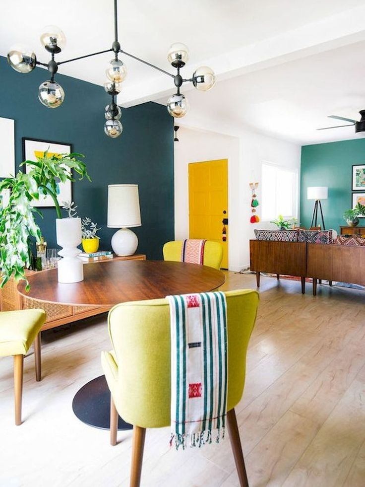 Beautiful and Colourfull Livingroom 15