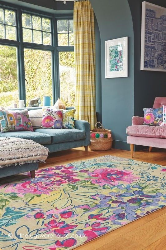 Beautiful and Colourfull Livingroom 42