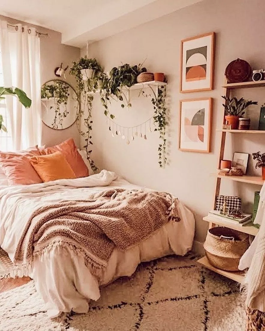 Small Apartment Bedroom Decoration 18