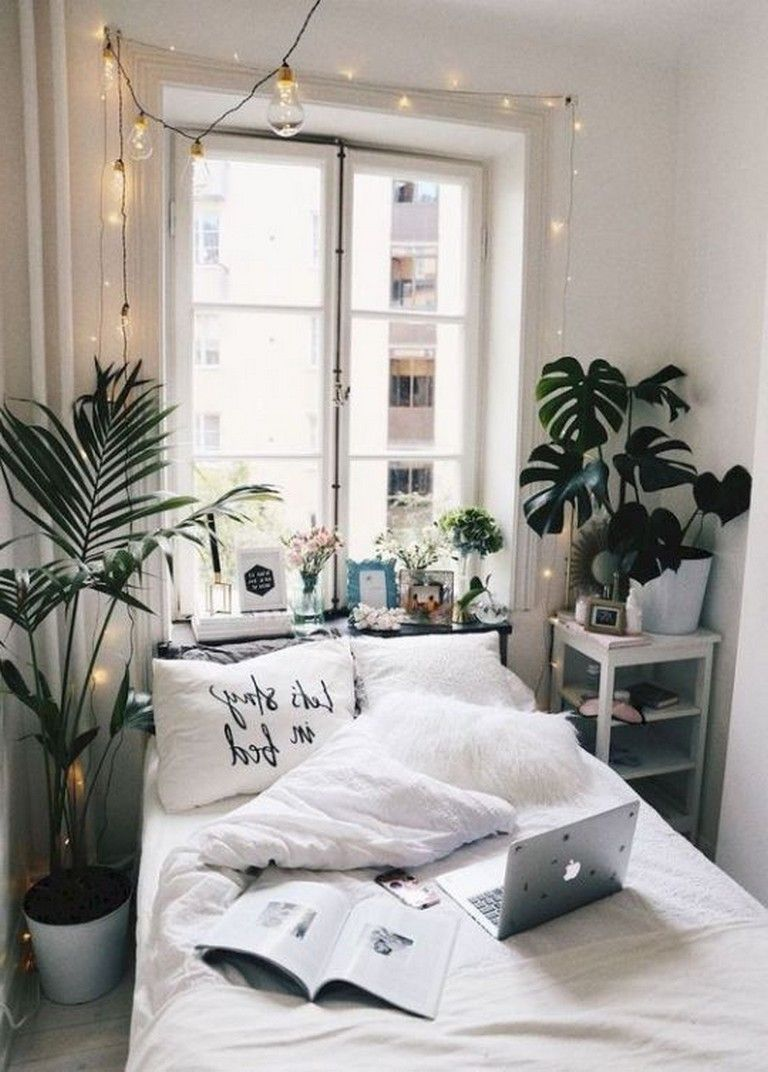 Small Apartment Bedroom Decoration 22