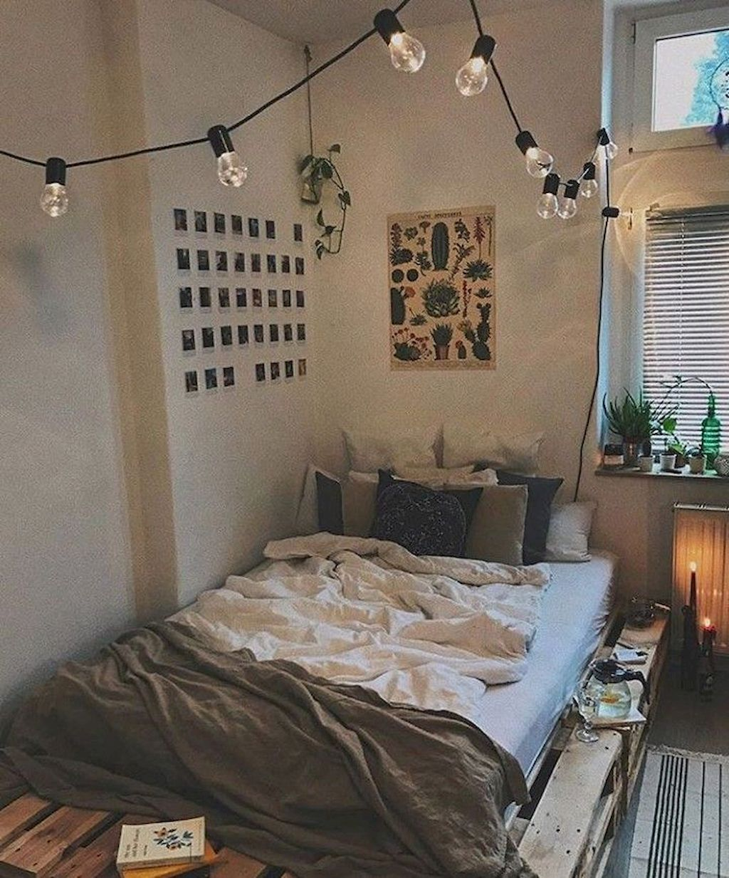 Small Apartment Bedroom Decoration 27