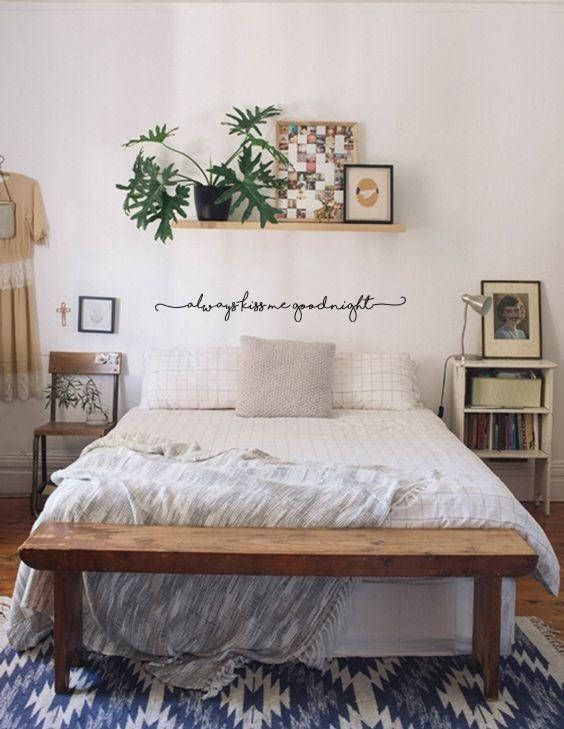 Small Apartment Bedroom Decoration 3