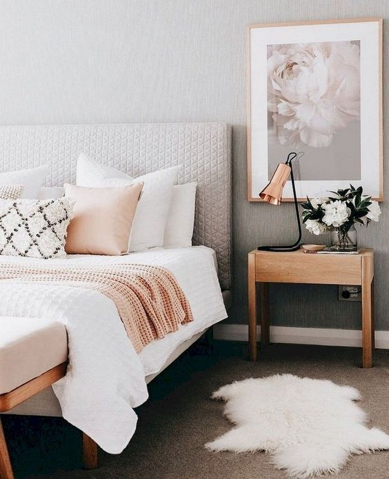 Small Apartment Bedroom Decoration 8