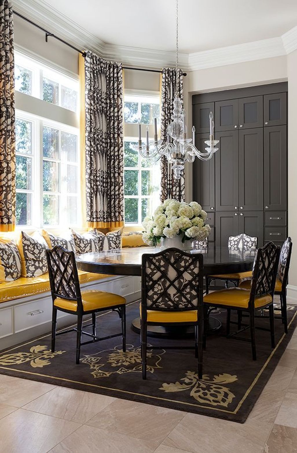 Black and Gold Dining Room Ideas 43 Luxurious Black and Gold Dining Room Ideas for
