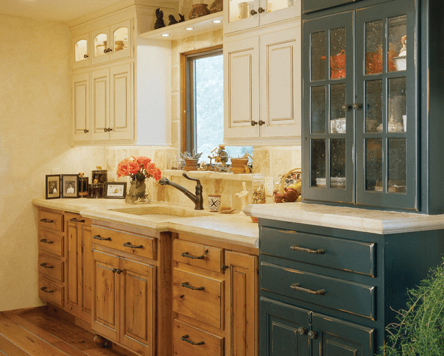 Classy Tiny Kitchen Ideas for Elegant Traditional Small Kitchens
