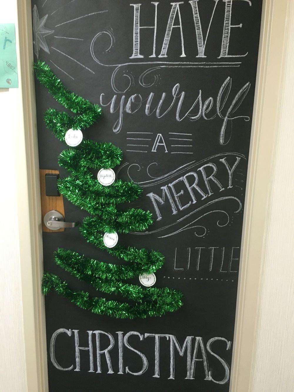 Door ornament Ideas Christmas Dorm Door for Decorating Contests