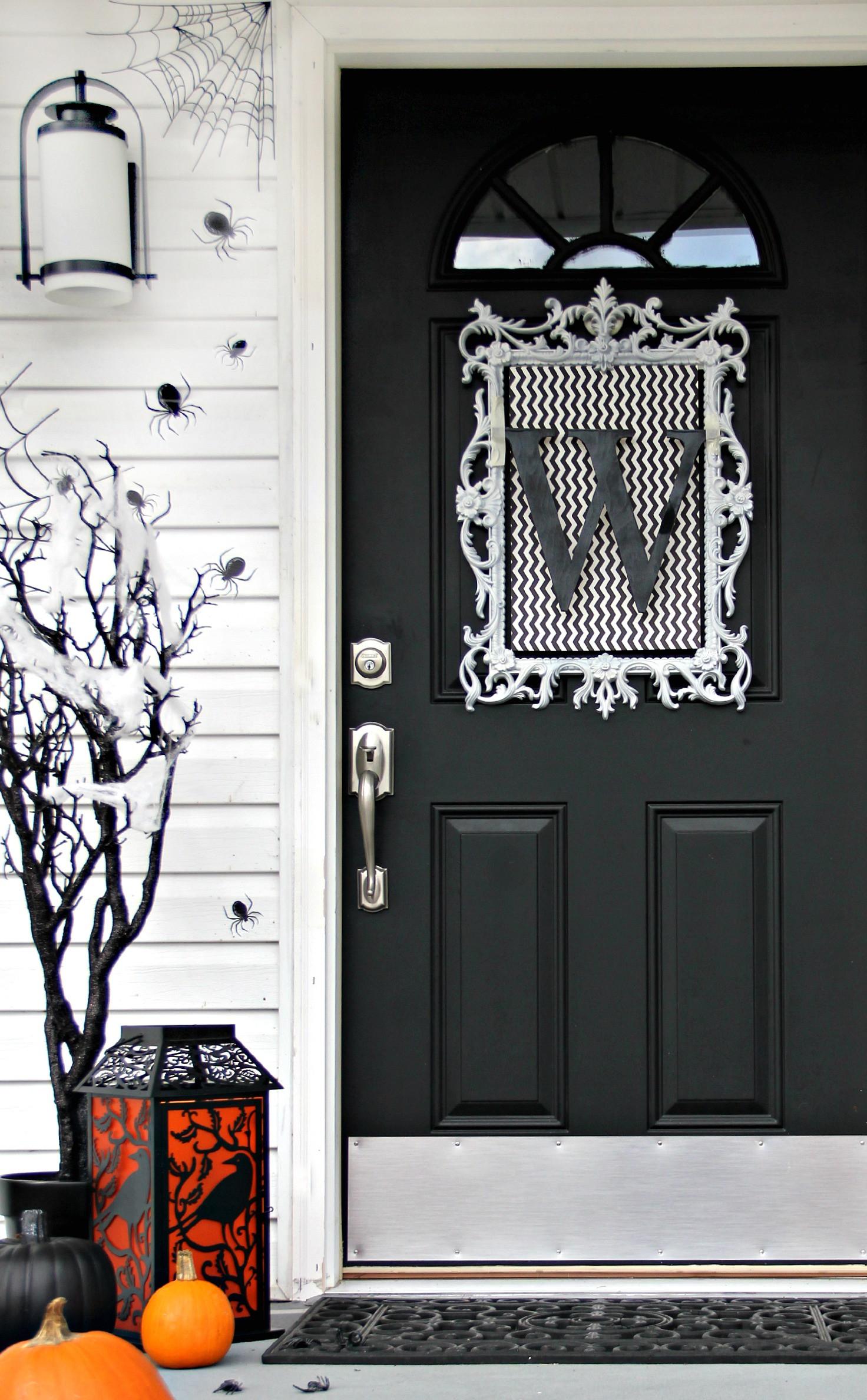 Door ornament Ideas Four Ideas for Inexpensive Halloween Door Decorations