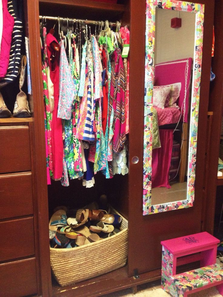 Dorm Room organization Mackenzie Kendall My Dorm Closet organize Shoes In A