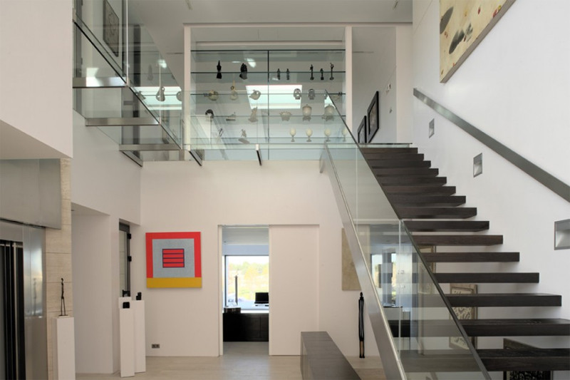 Glass Stairs Ideas 10 the Most Cool Glass Staircase Designs Digsdigs