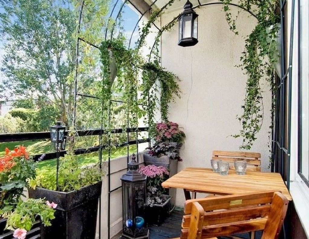 Green Balcony Ideas 42 Extraordinary Small Balcony Design Ideas Homyfeed