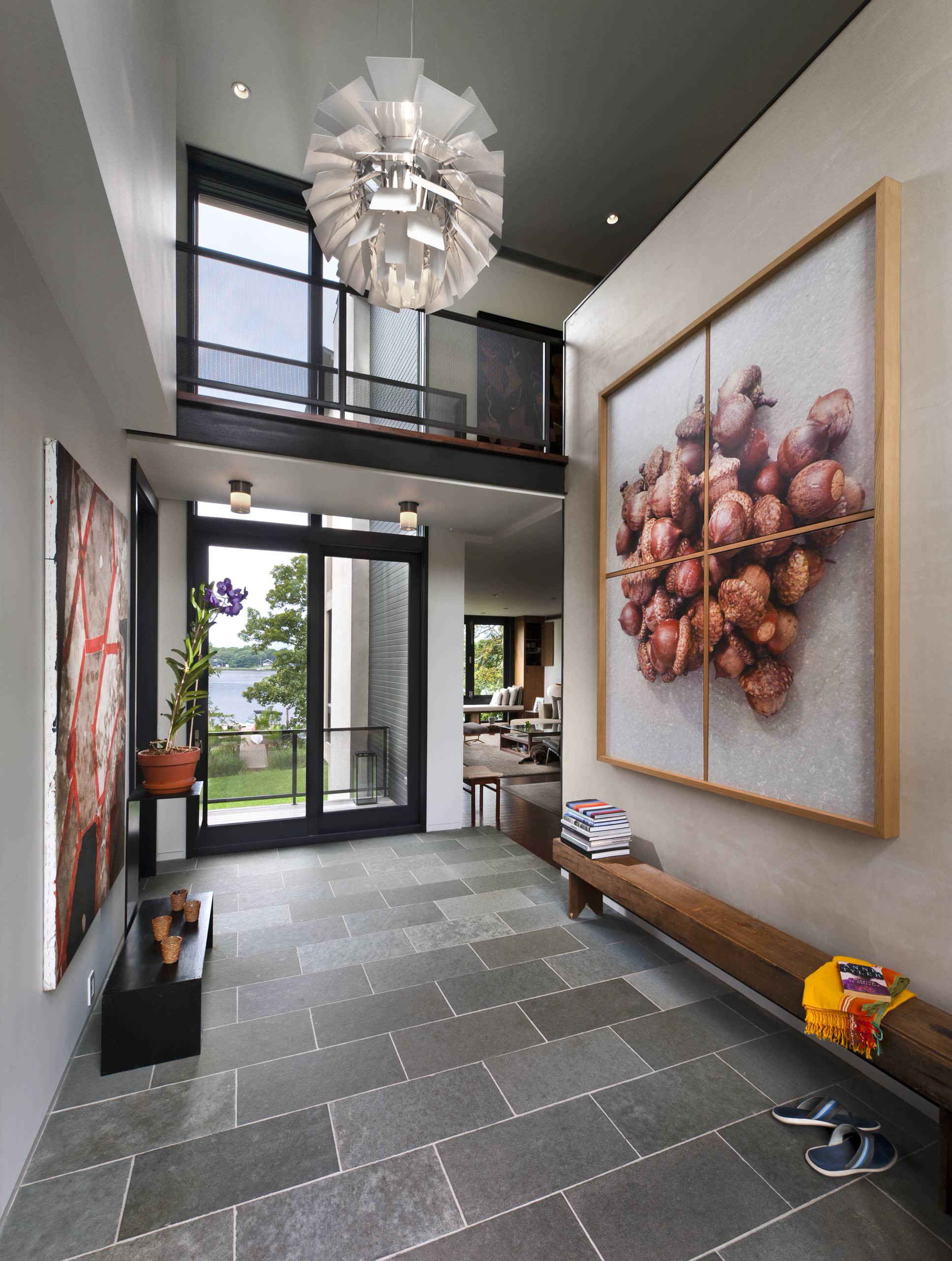 15 Beautiful Modern Foyer Designs That Will Wel e You Home