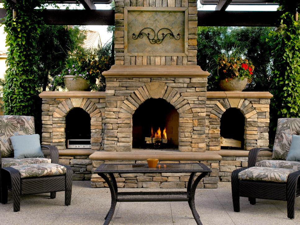 Outdoor Fireplace Design 20 Cozy Outdoor Fireplaces