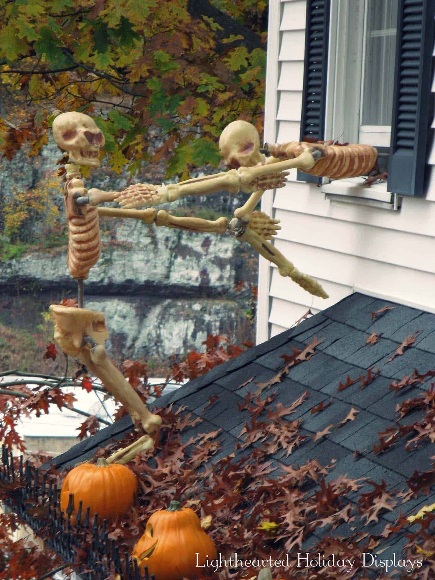 Outdoor Halloween Decorations 21 Incredibly Creepy Outdoor Decorating Ideas for Halloween