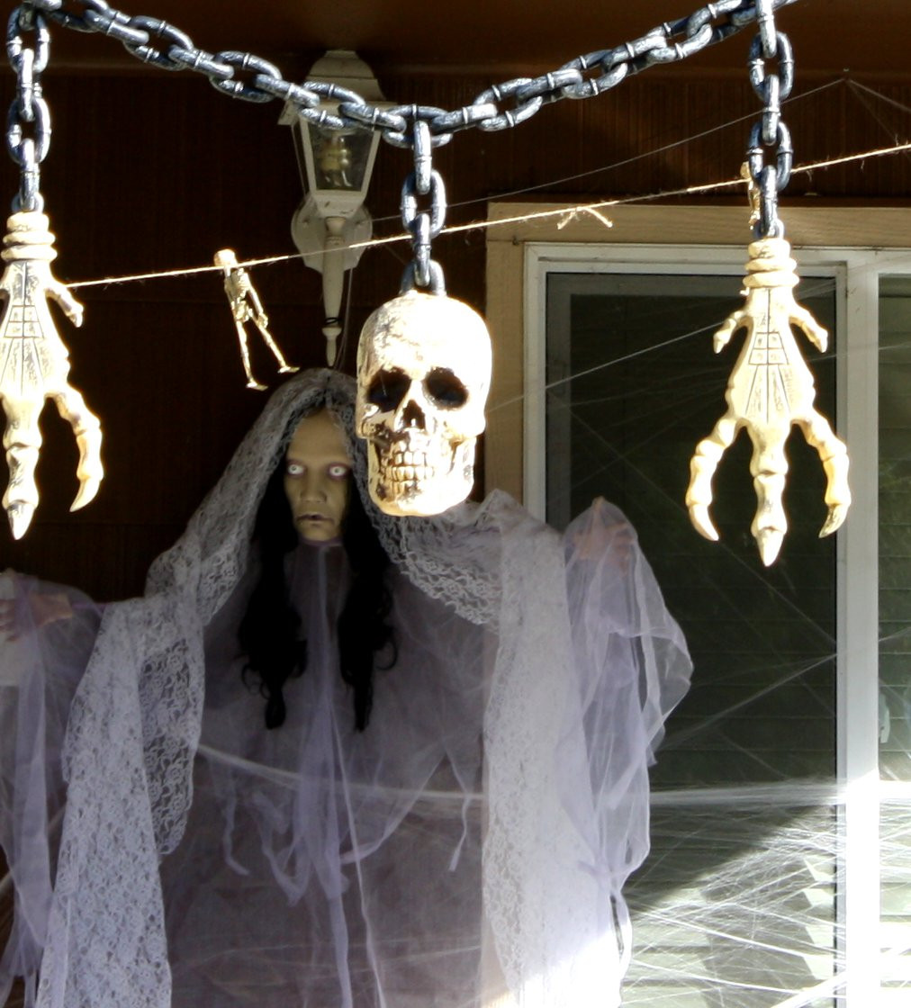 Outdoor Halloween Decorations 25 Stunning Porch Halloween Decorations Ideas Magment
