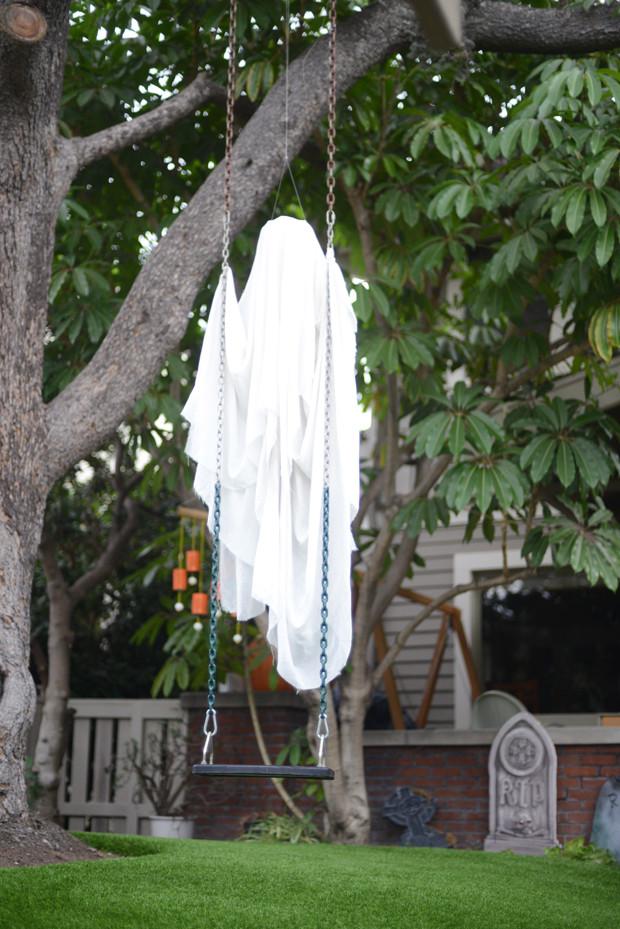 Outdoor Halloween Decorations 35 Best Ideas for Halloween Decorations Yard with 3 Easy Tips