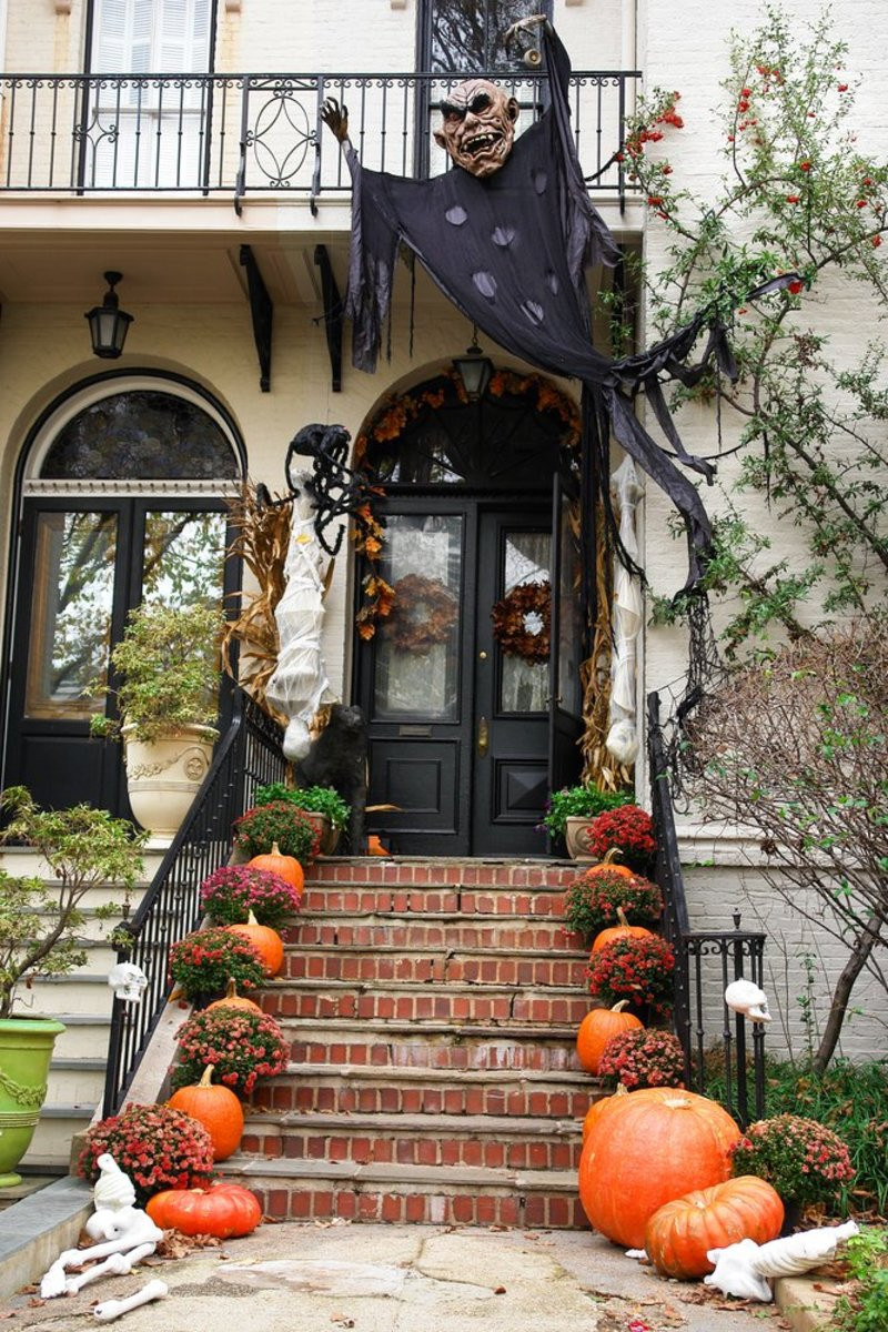 Outdoor Halloween Decorations 9 Legitimately Spooky Diy Halloween Outdoor Decorations