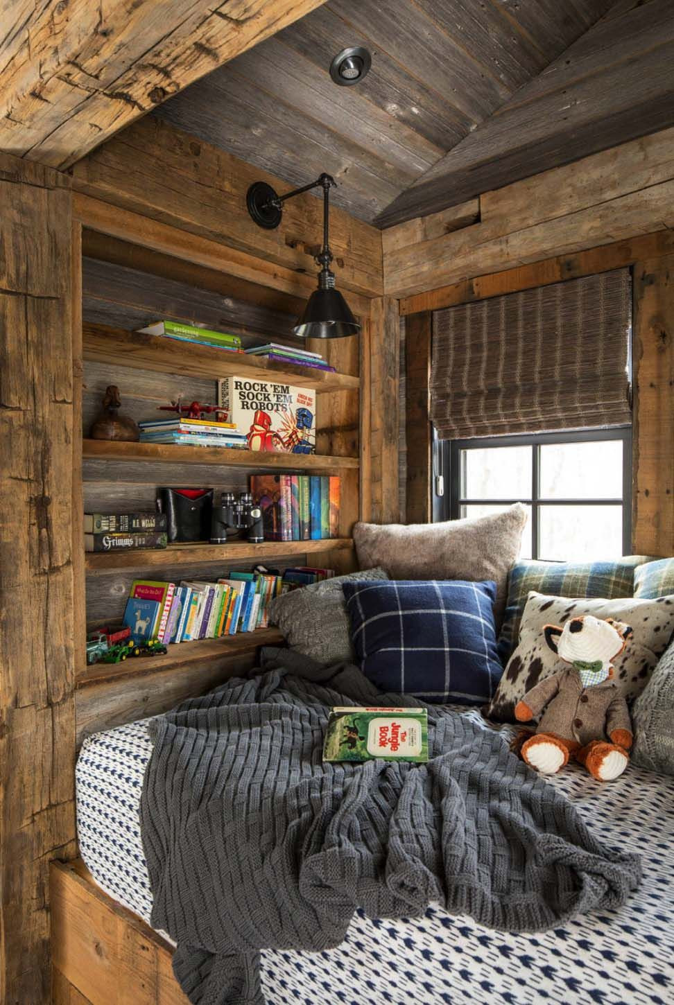 Rustic Kids Room Designs Rustic Lakeside Retreat In Wisconsin Features Inviting
