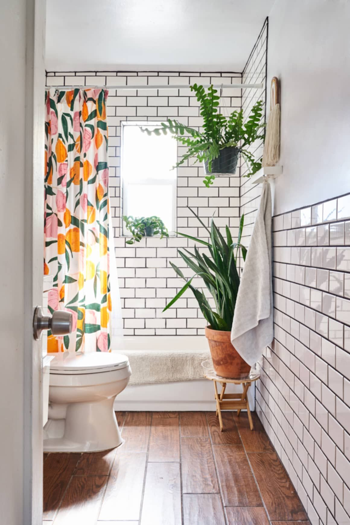 small apartment bathroom decoration 19