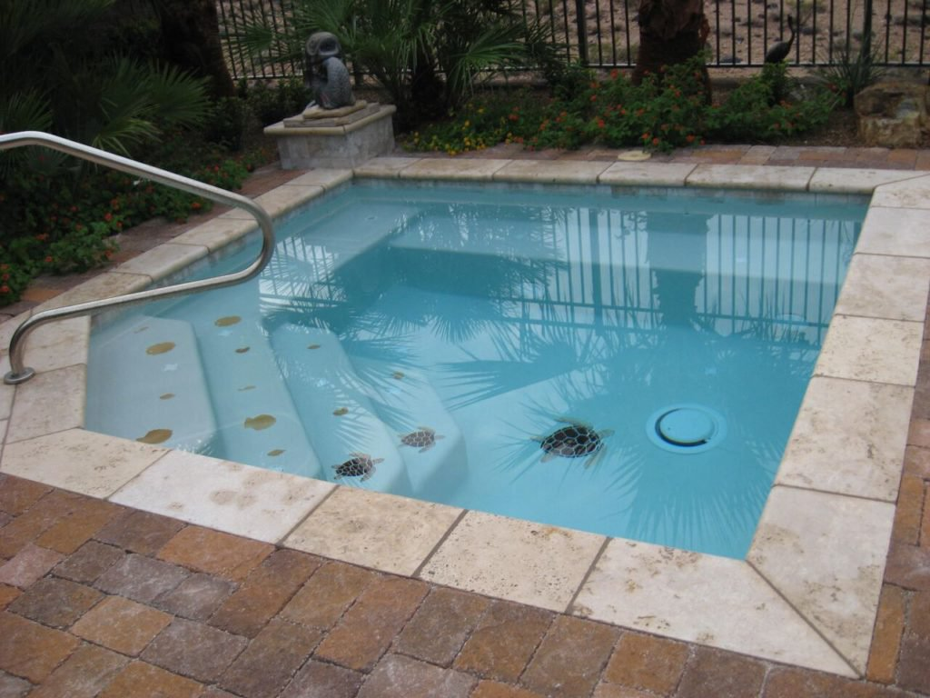 small swimming pools 8