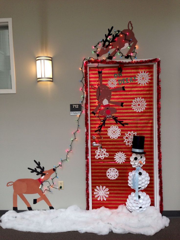 Unique Door Decoration 25 Unique Dorm Door Decorations Ideas On Pinterest