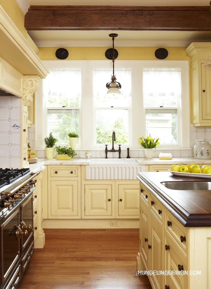 Yellow Kitchen Designs 25 Best Ideas About Pale Yellow Kitchens On Pinterest