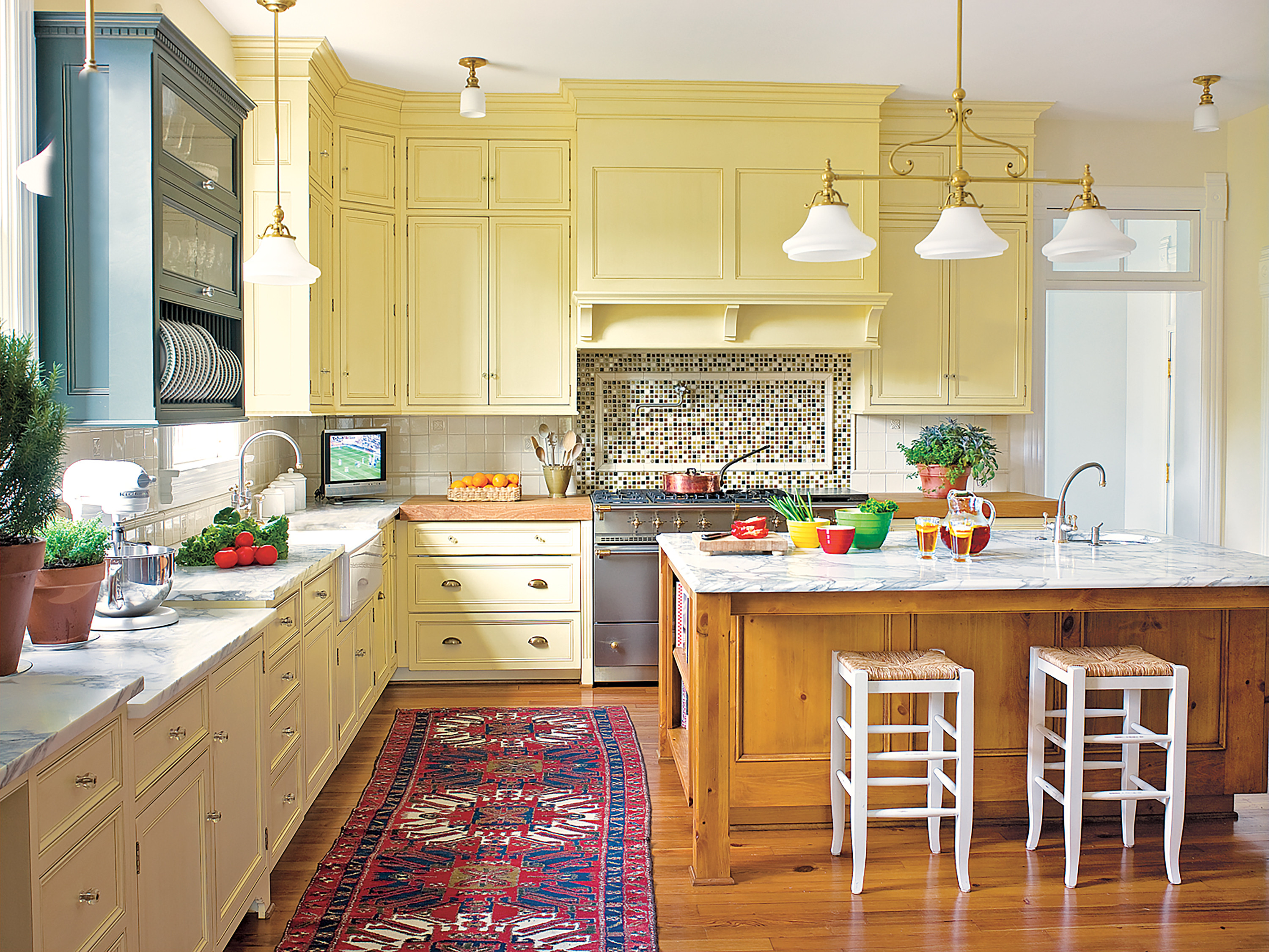 Yellow Kitchen Designs Editors Picks Our Favorite Yellow Kitchens