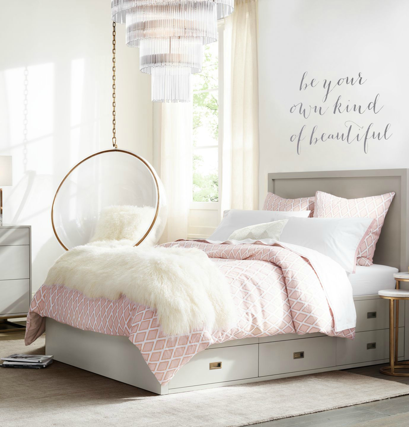 Excellent Bedrooms with Vintage touch Sleek Silhouettes Add A Contemporary touch to A Classic