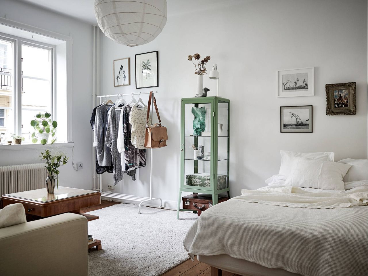 Excellent Bedrooms with Vintage touch Studio Apartment with Vintage touch