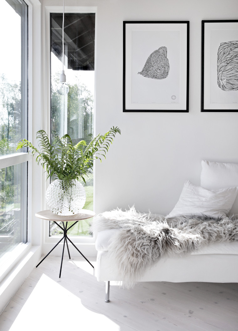 All White Living Room Decor Sunny Living Room & Weekend Bouquets