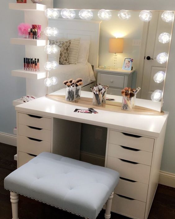 Bedroom Vanity with Light Vintage Vanity History How It Became the Modern Makeup Table