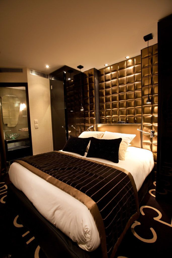 Black and Gold Bedroom Decor 15 Luxurious Black and Gold Bedrooms