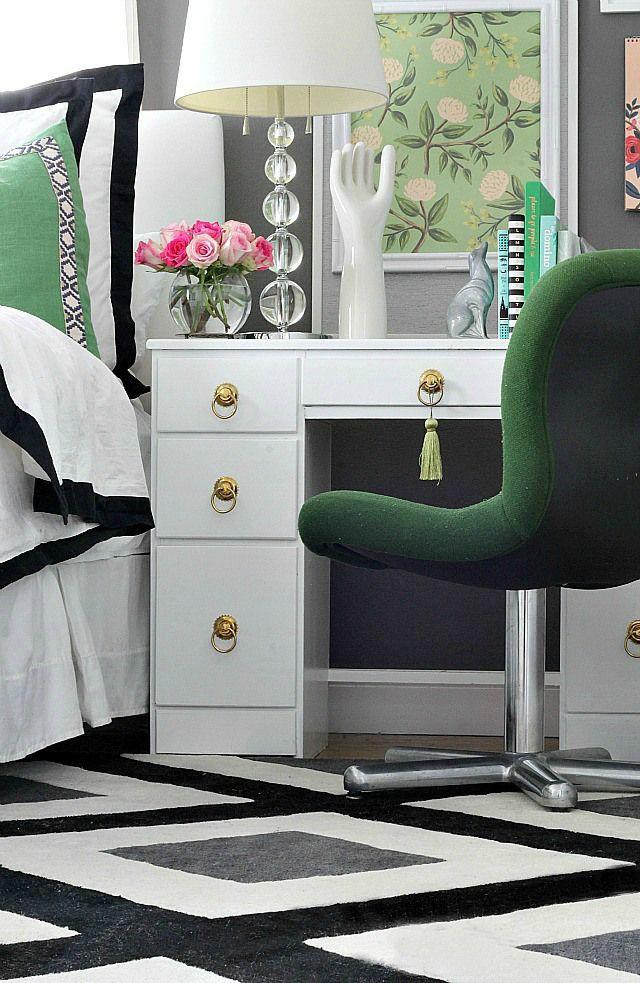 Black White Gold Bedroom Bedroom Makeover with Green Black White Gold and Pops Of