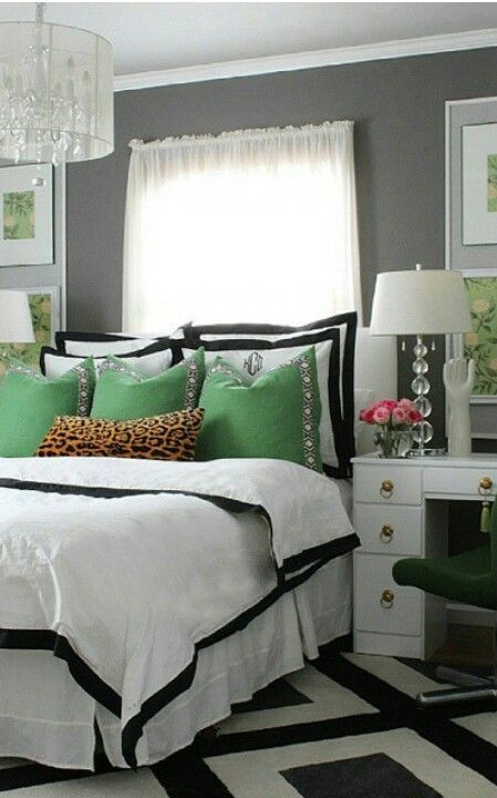 Black White Gold Bedroom Black White Gold and Green Love the Graphic Impact