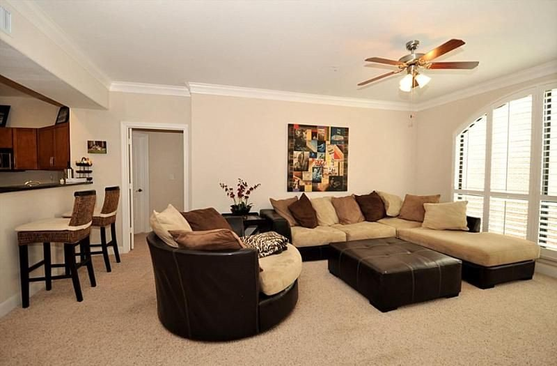 Brown Living Room Decor Ideas 2299 Lone Star Dr 430 Sugar Land Tx