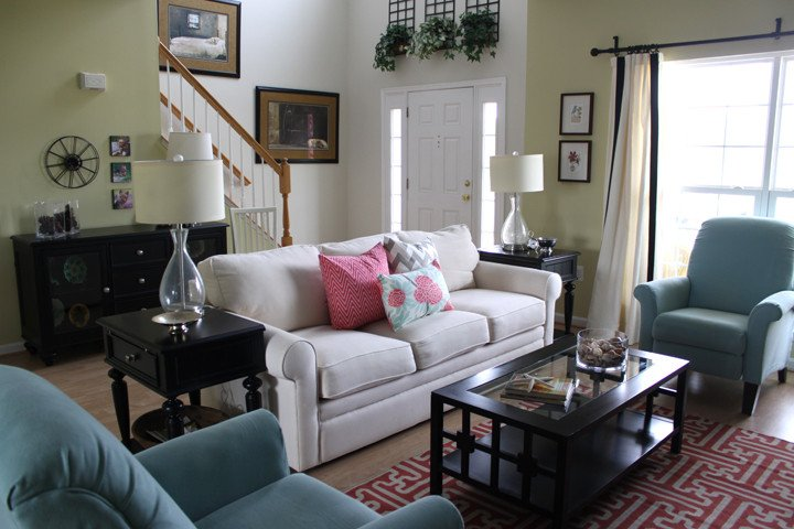 Budget Living Room Decorating Ideas Making An Entrance