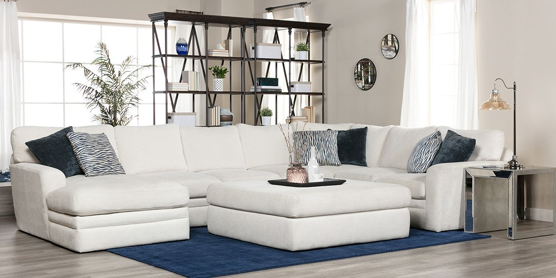 Casual Contemporary Living Room Transitional Living Room with Glamour Ii sofa