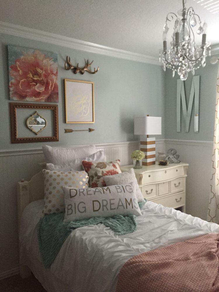 Chandelier for Teenage Girl Bedroom I Like the Walls and Chandelier Slk with Images