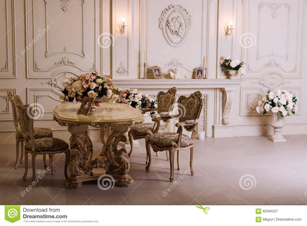 Comfortable Classic Living Room Luxury Apartment fortable Classic Living Room