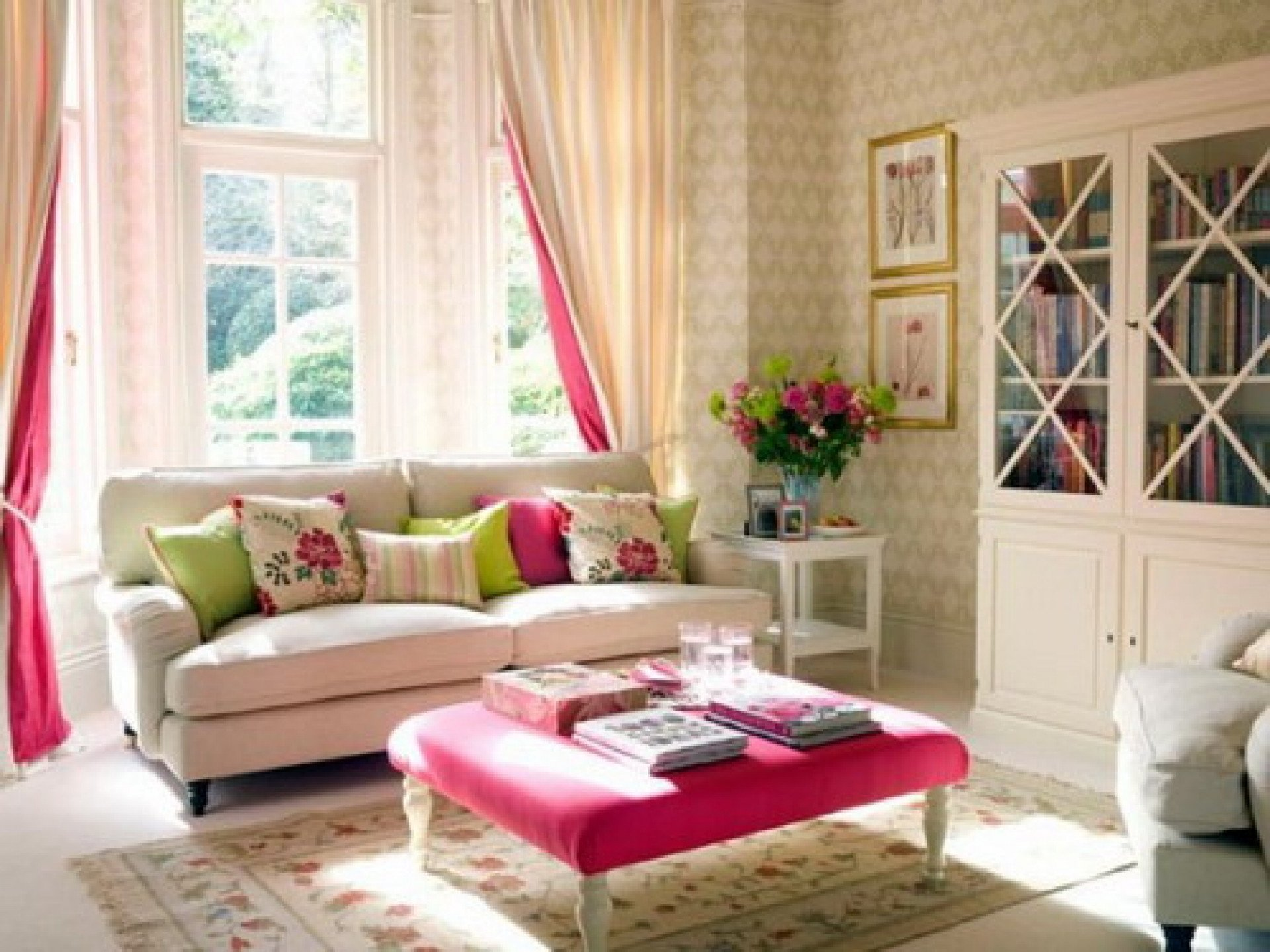 Comfortable Feminine Living Room Romantic Living Room Ideas for Feminine Young La S' Casa