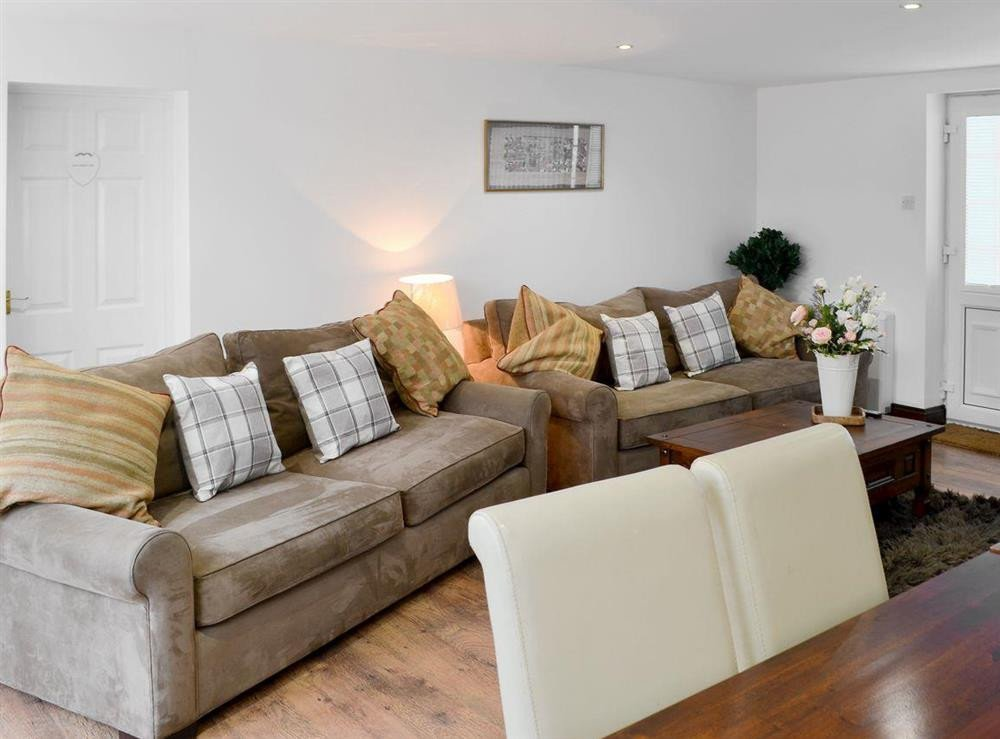 Comfortable Living Room Dining Room S Of Coachmans Retreat Witton Near Brundall norfolk
