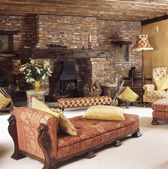 Comfortable Living Room Victorian Image fortable Terracotta Victorian Style Chaise