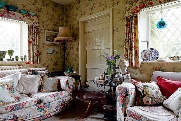 Comfortable Living Room Victorian the fortable and Cosy Sitting Room with Pretty