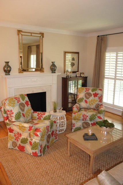 Comfortable Traditional Living Room A soothing fortable Living Room Traditional Living