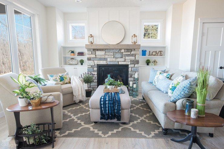 Cottage Living Roomdecorating Ideas Traditional Coastal Cottage Living Room Reveal Mom S
