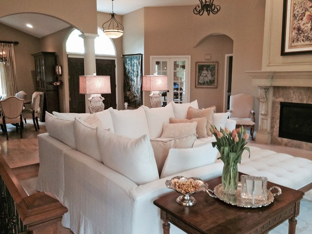 Cozy Traditional Living Room Slipcovered Sectional In Cozy Living Room Traditional