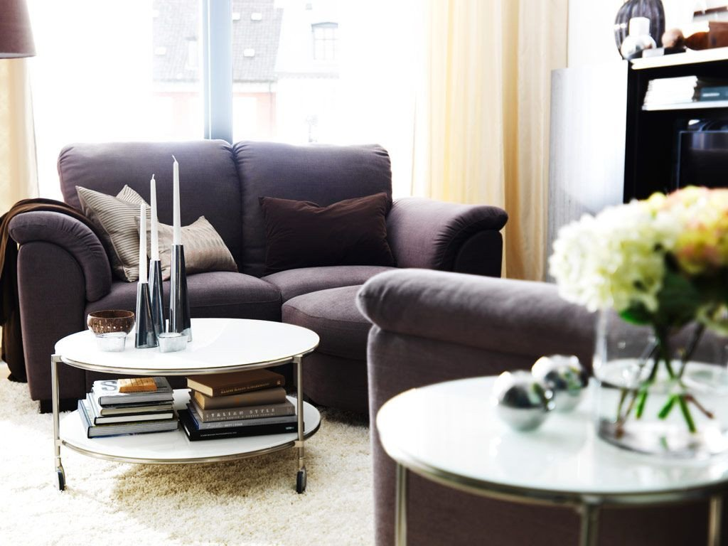 Decor for Living Room Tables Utilize What You Ve Got with these 20 Small Living Room