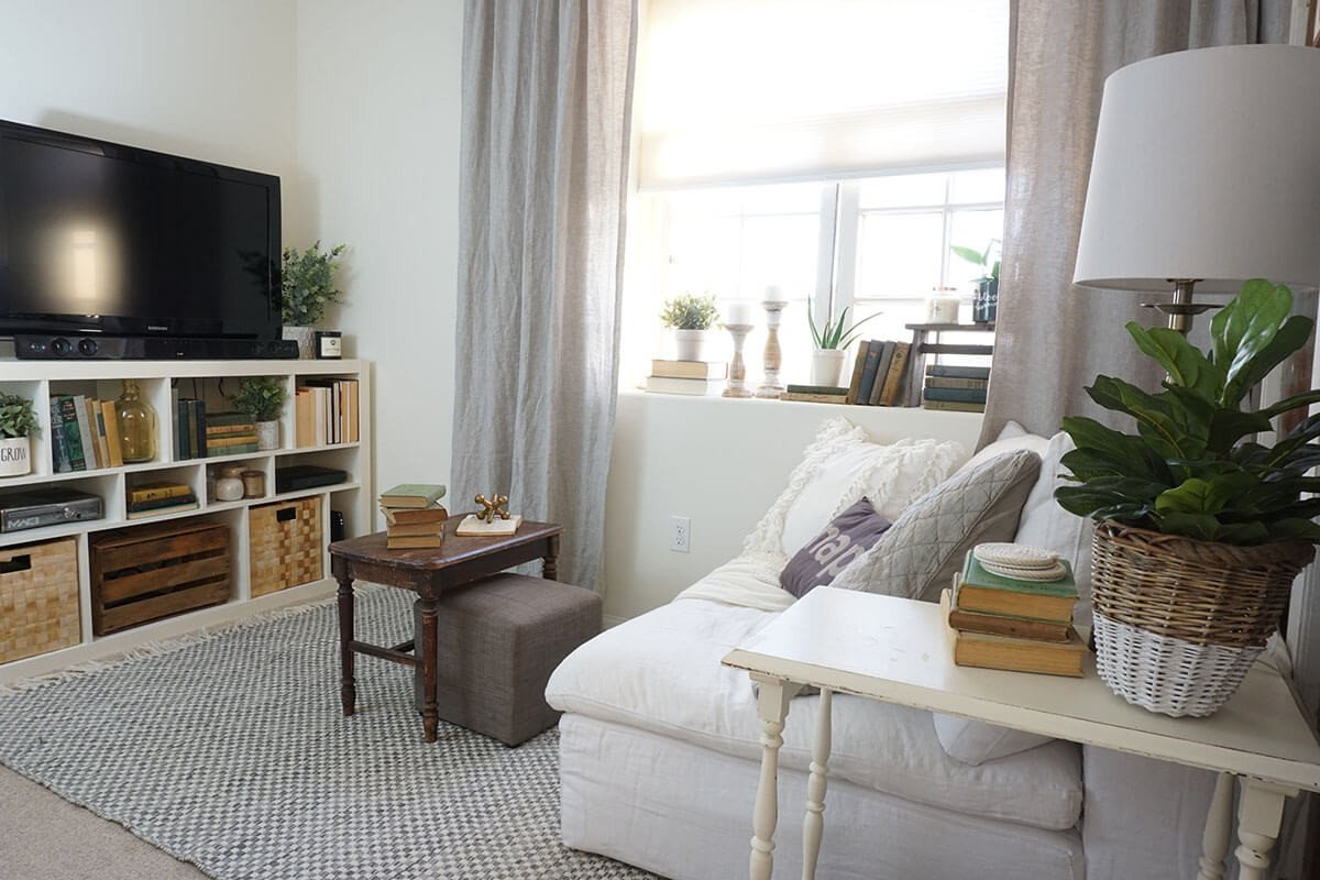 Decor for Small Living Room 20 Best Small Apartment Living Room Decor and Design Ideas
