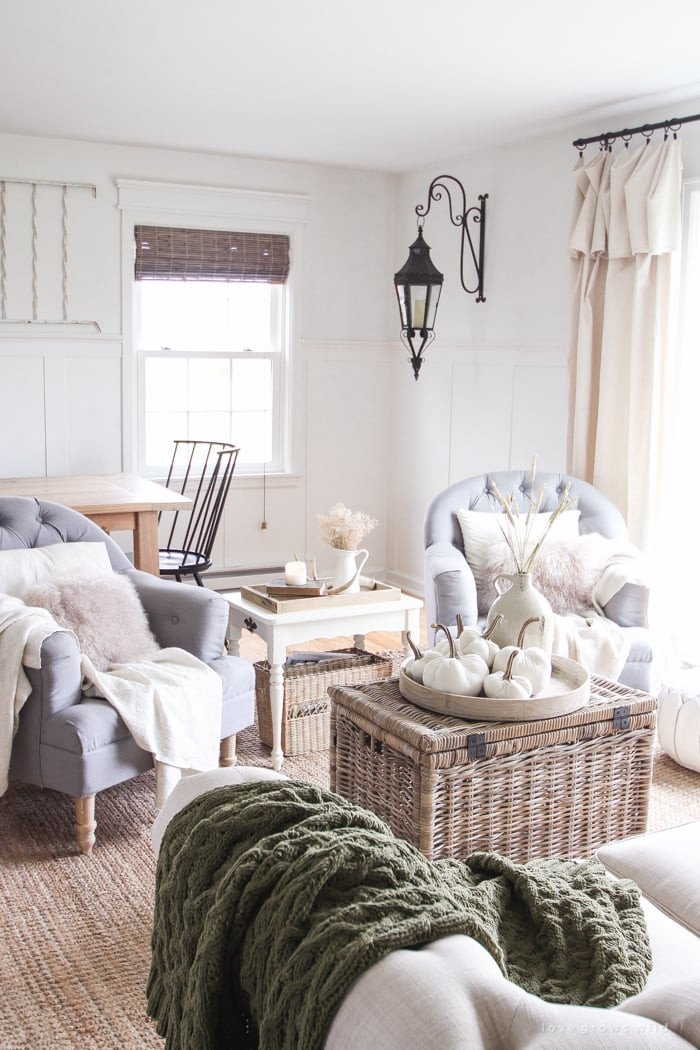 Decor for Small Living Room How to Decorate the Living Room for Fall