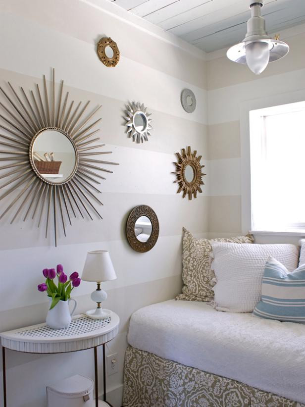 Decor Ideas for Bedroom Wall 14 Ideas for Small Bedroom Decor