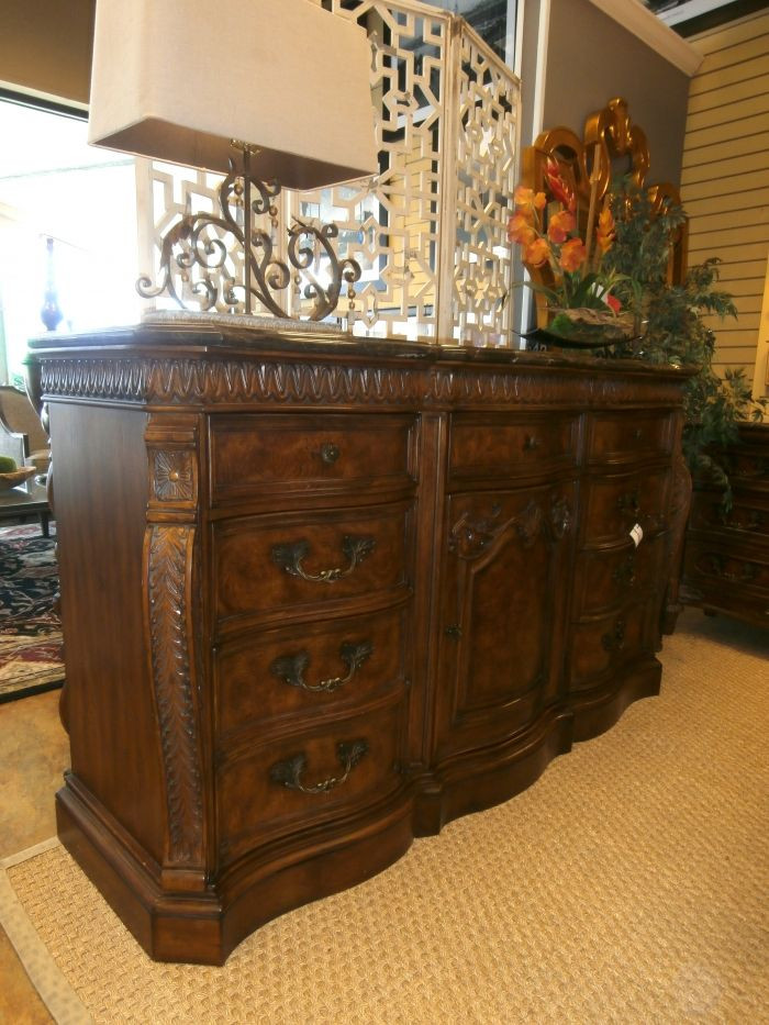 Drexel Heritage Bedroom Furniture Drexel Heritage Burled Wood 9 Drawer Dresser with Marble top